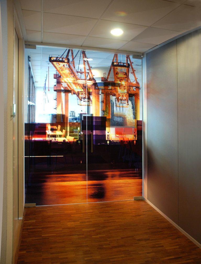 Taatsdeuren-vloerveer-gehard-gelaagd-glasprint-afsluitbaar